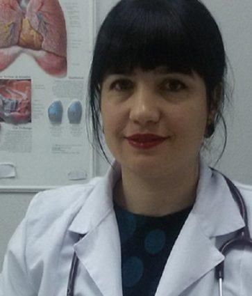 Flet mjekja pediatre Anila Sevdari/ Çfarë është gastroenteriti dhe si të kujdesemi për fëmijën