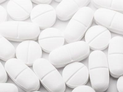A mund të pihen bashkë paracetamoli dhe ibuprofeni?