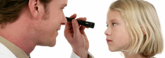 Kur duhet bërë vizita e parë e syve të fëmijëve?