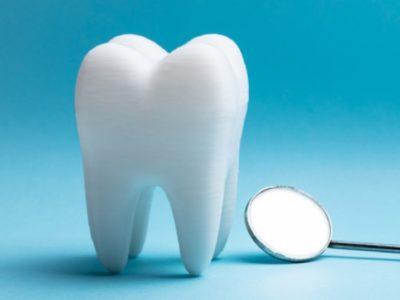Çfarë është Periodontiti? Sëmundja e mishrave të dhëmbëve që plak trurin