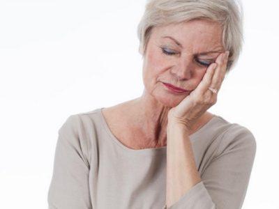 Menopauza, cilat janë simptomat dhe në çfarë moshe fillon