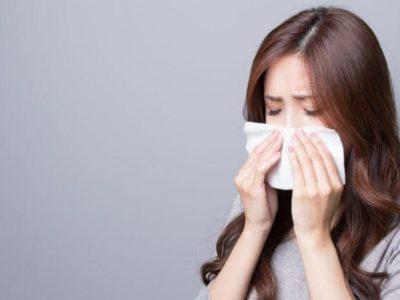 Riniti alergjik/ Shkaqet, simptomat, rreziqet dhe trajtimi