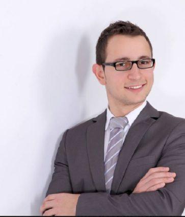 Dr. Ermal Xhaho sjell në shqip studimin: Rekomandime mbi terapinë intensive të pacientëve me COVID 19