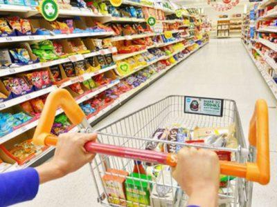 Këshillat/ Si të shmangni infektimit gjatë blerjes së ushqimeve