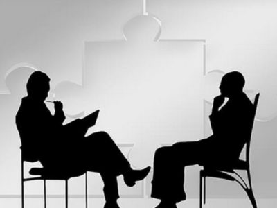 Shëndeti mendor/ Si të dallojmë terapistin nga psikologu dhe psikiatri
