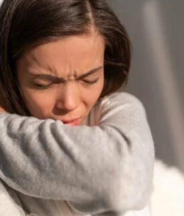 Si të dallojmë alergjinë nga COVID-19?
