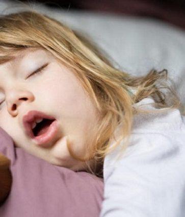 Gabimisht i themi mish i huaj në hundë, çfarë duhet të dimë për adenoidet tek fëmijët