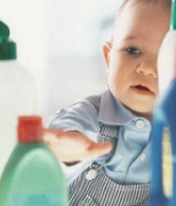 Helmimet aksidentale tek fëmijët, kujdesi që duhet të tregojmë
