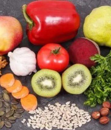 Regjimi ushqimor/ Çfarë duhet të konsumoni nëse keni vlera të larta të acidit urik