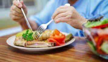 Regjim ushqimor/ Çfarë këshillohet për tumorin në gji dhe pse