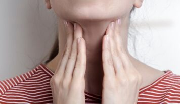 Mononukleoza apo sëmundja e puthjes/ Si ta dallojmë sëmundjen infektive që prek fëmijët