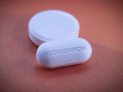 Të njohim ilaçet/ Azitromicina, kur përdoret ky antibiotik