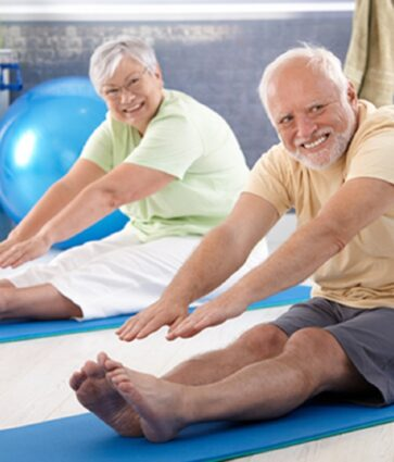 Ushtrime fizike/ Joga, një ndihmë ndaj osteoatritit