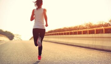 """PSIKOLOGJI/ Përballimi i ankthit, """"mrekullia"""" e aktivitetit fizik dhe jo ilaçeve"""